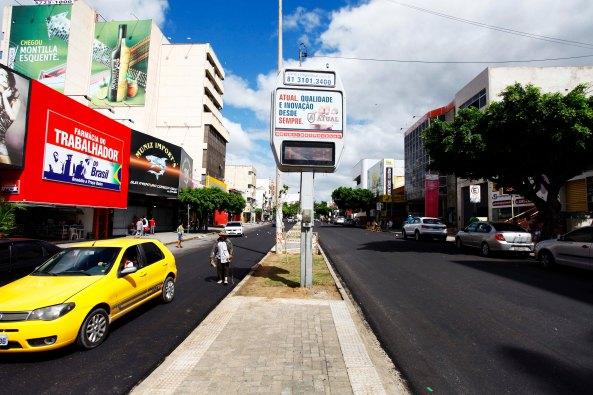 Principais vias do Centro da cidade recebem recapeamento asfáltico. Foto de Rafael Lima